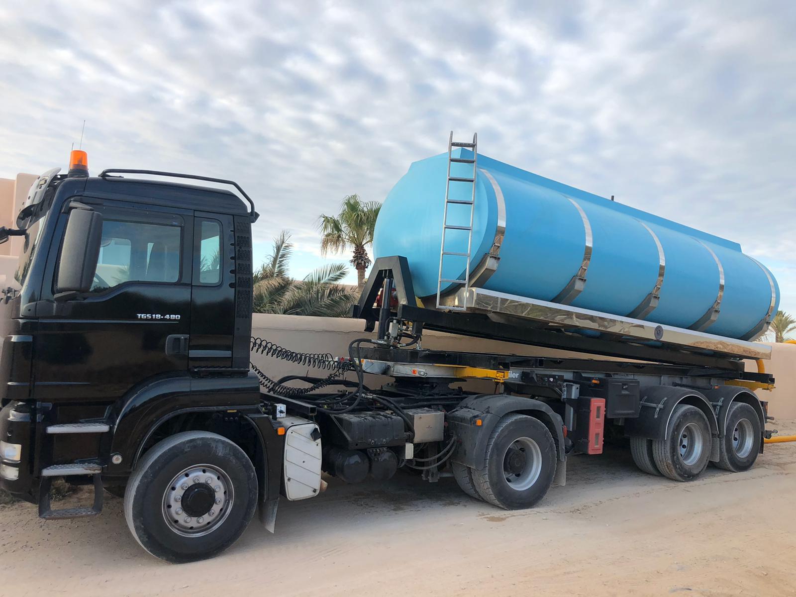 transporte agua camiones
